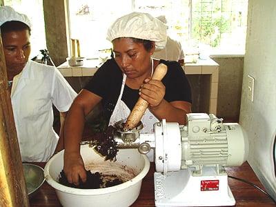 handmakingdagobachocolate.jpg