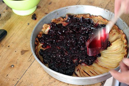 pear & black currant tart
