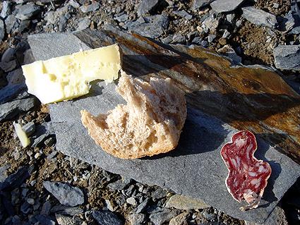 cheesebreadsalami.jpg