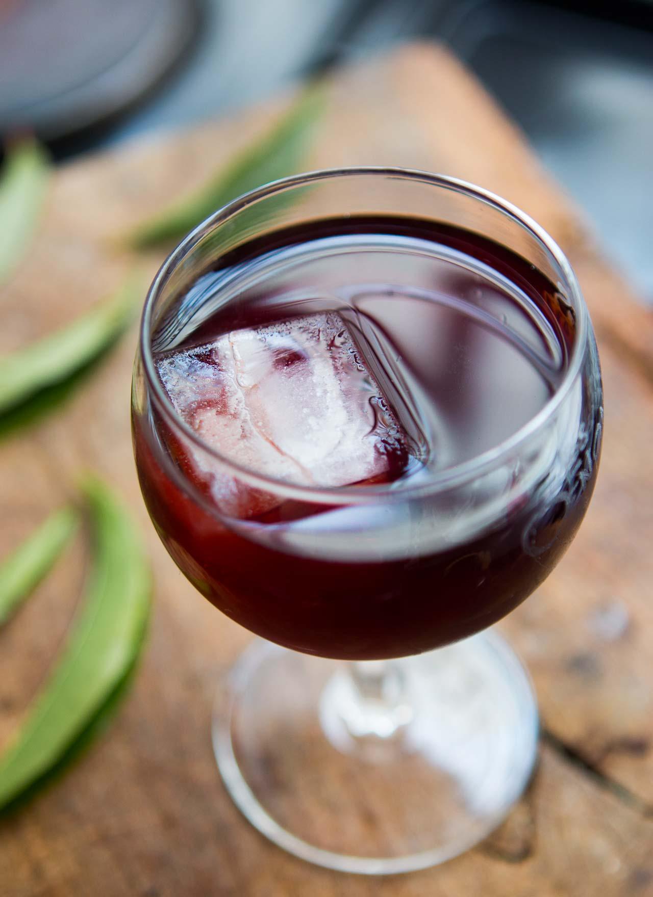 Vin de peche: Peach Leaf Wine