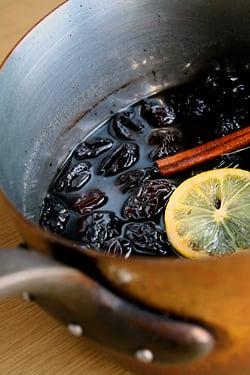 prunes in pot