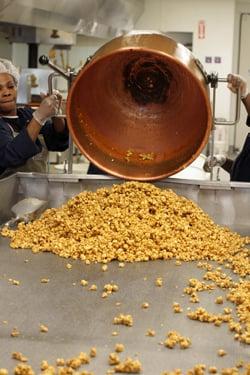 making caramel corn