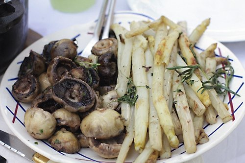 grilled mushrooms and asparagus