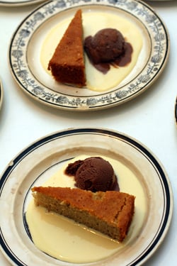 cake, ice cream, creme anglaise