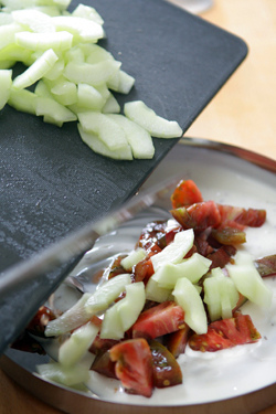 cucumber-tomato raita