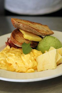 breakfast at Bills