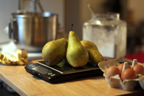 weighing pears