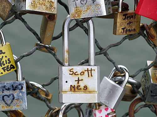 scott and meg - Pont des Arts, Paris