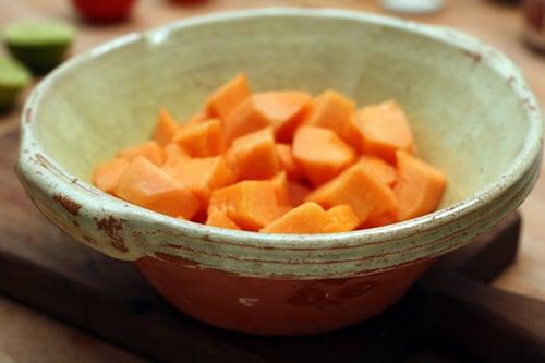 melon in bowl, for melon-nectarine agua fresca