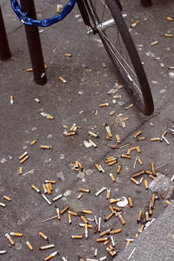 cigarette butts paris