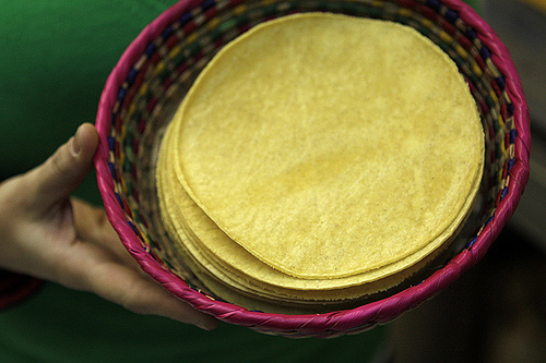 tortillas at Mil Amores