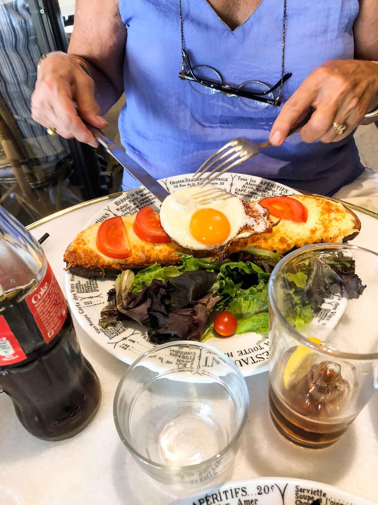 Le Nemrod Cafe in Paris