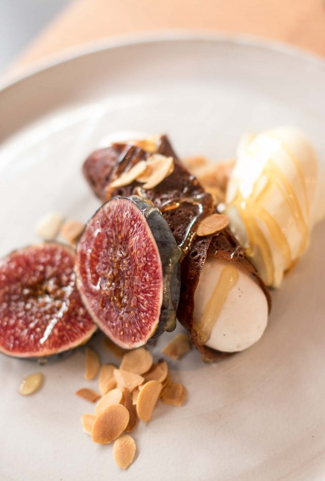 Cannoli and figs at Fulgurances