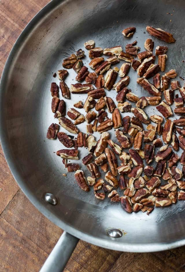 Pecans for baked apples