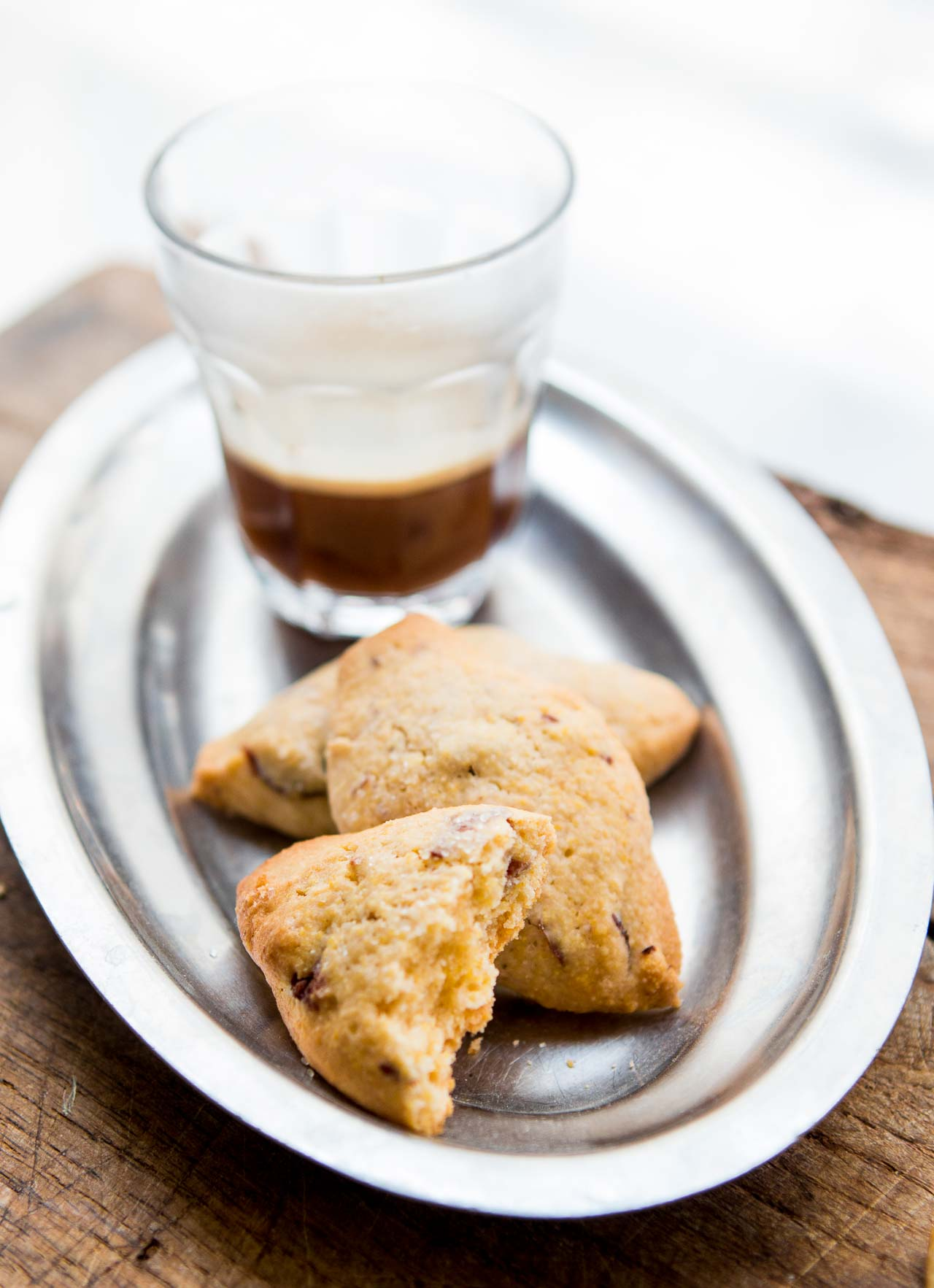 Crispy, crunchy Italian polenta cookies