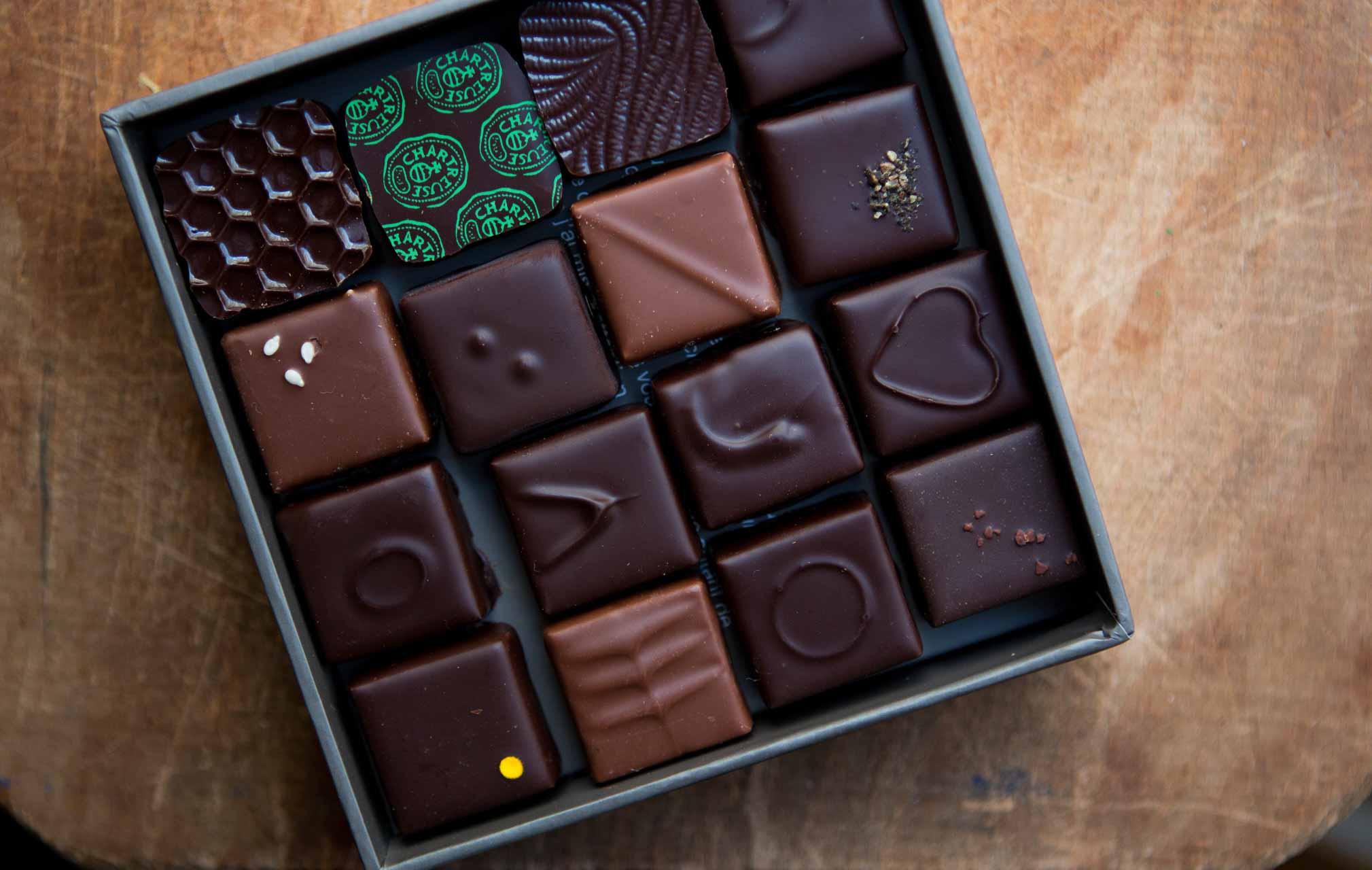 caramel chocolate bar cube world