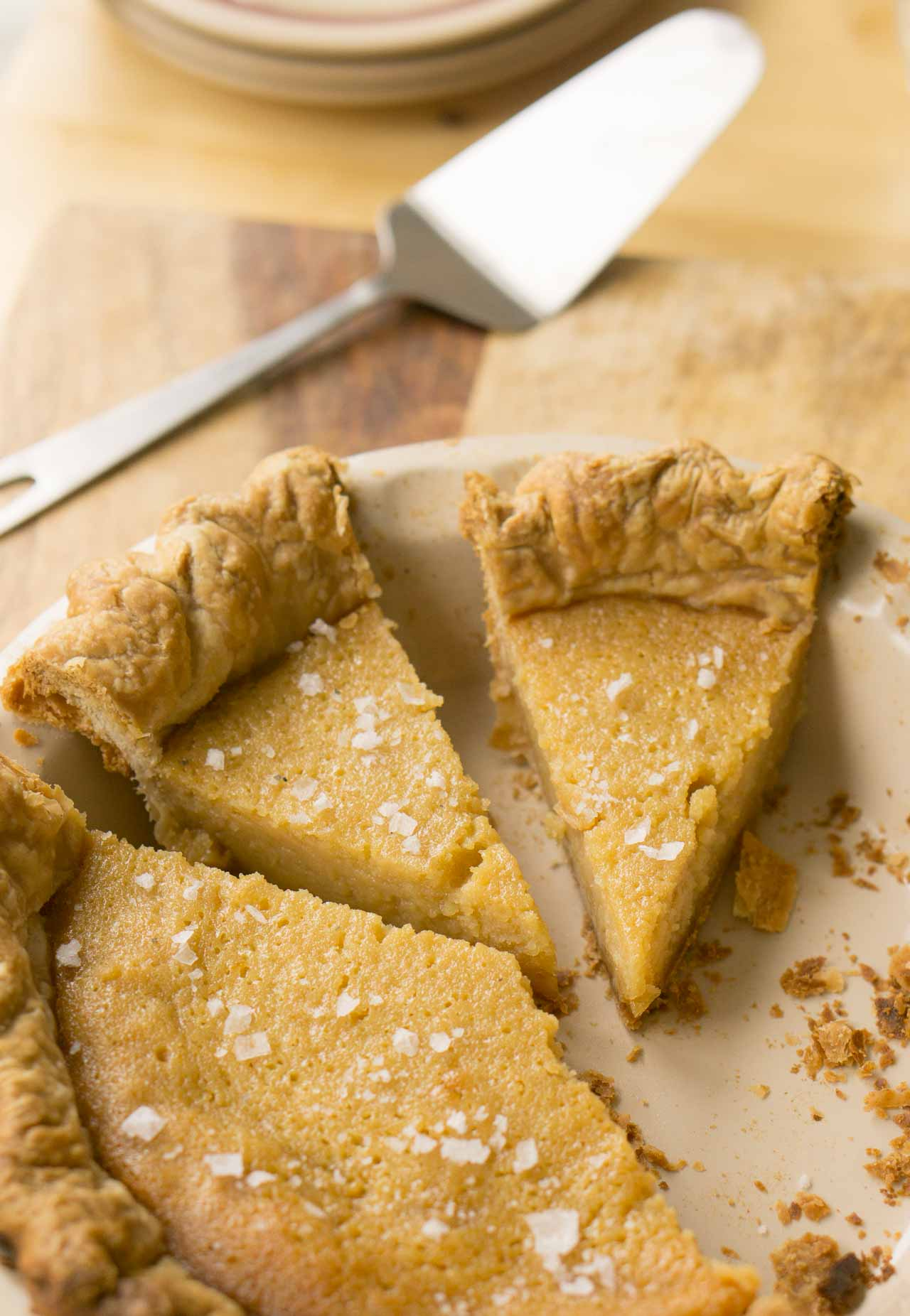 A delicious pie with the flavor of honey and a touch of salty goodness!