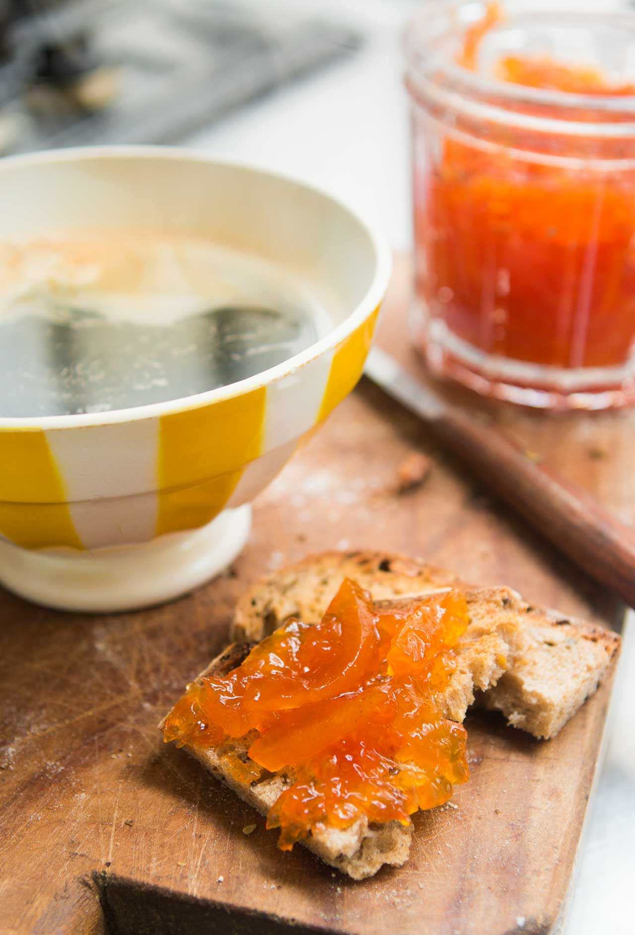 A delicious tart, tangy marmalade made with fresh pink grapefruits!